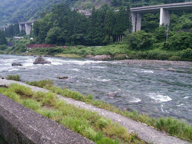 寒すぎる長良川、、
