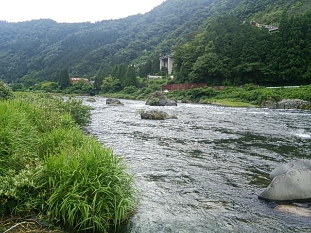 平水にもどった長良川